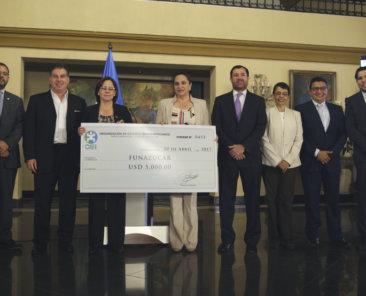 FUNAZÚCAR recibe Premio a la Corresponsabilidad Social Empresarial para la Educación